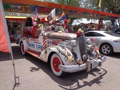 veritas vita visited Delgadillo's Snow Cap Art Car