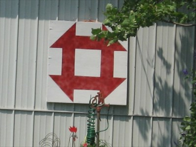 Hole In The Barn Door Barn Quilt Urbandale Ia Painted Barn