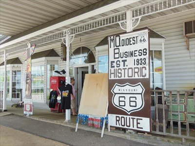 Totem Pole Trading Post - Route 66 -