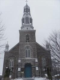 Façade de l'Église St-Henri-de-Mascouche.Church facade St-Henri de Mascouche.