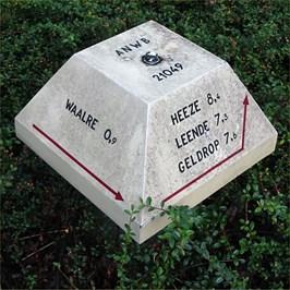 "This Paddo is placed at the corner of ""Hutdijk"" and ""Maria van Bourgondielaan"" in Waalre."