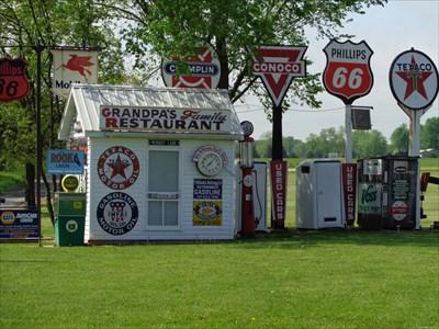 Bob's Gasoline Alley - Route 66 - Cuba