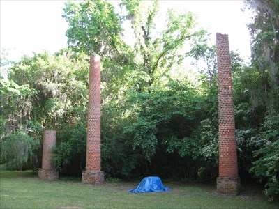 Crocheron Columns. All that remains of Crocheron Mansion.
