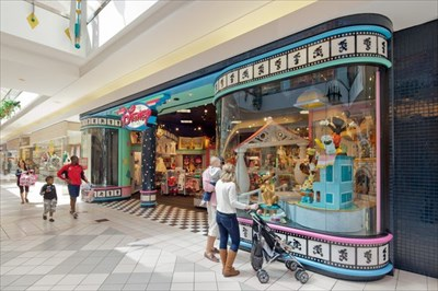 Another photo of The Disney Store before the remolding in early 2011.
