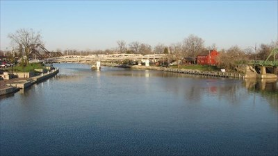 North Tonawanda and the tour are on the left side.