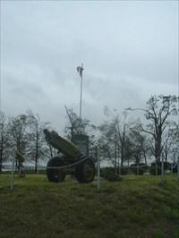 MONETT VETERANS WAR MEMORIAL HOWITZER AND FLAGS