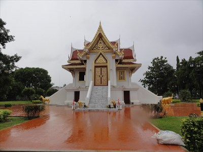 The only time I could visit the shrine was during a rain storm.