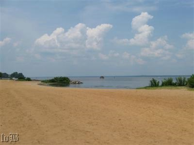 8 - Past a quiet beach and Potomac River where U.S. gunboats and Confederate artillery once exchanged fire