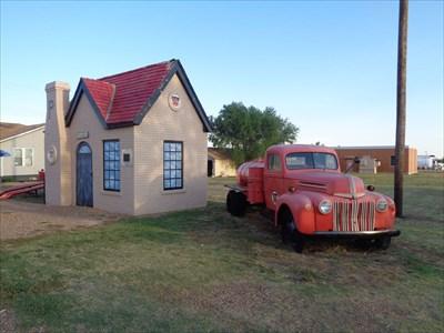 Bowser Truck, McLean, TX.