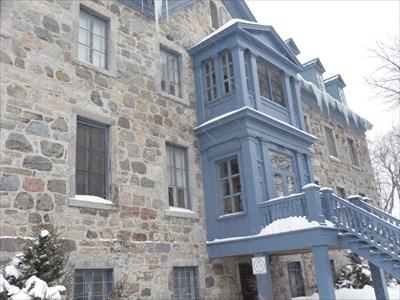 Autre photo avec point de vue de l'entré de côté.Another picture with the perspective of the entrance side.