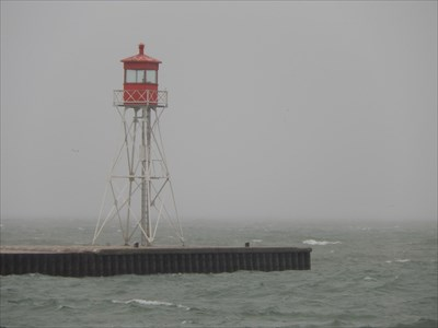 This light is located at the outer end of the east pier at the entrance to Erieau Harbour, also known as the entrance to Rondeau Bay.