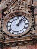 Image for Vision Express clock – Leeds, UK