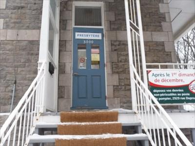 Escalier et porte entré du Presbytère.Staircase and door entered the Presbytery.