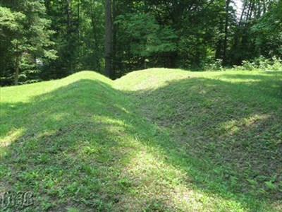 These sunny green earthworks once saw plenty of battle action as they helped to defend the Confederates in 1864.