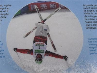 Double médaillé d'or des bosses en ski acrobatique lors des Jeux olympiques de Vancouver en 2010 et  de Sotchi en 2014. Il est le premier skieur  de sa discipline à conserver un titre olympique.    Double gold medalist in freestyle skiing moguls at the Vancouver Olympics in 2010 and Sochi in 2014. He was the first skier his discipline to maintain an Olympic title.