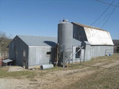 Dutch Gambrel Milk Barn Hwy E Barns On