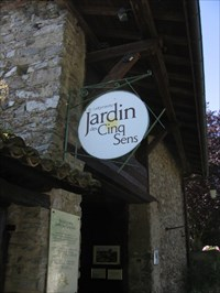 Le Labyrinthe - Jardin des Cinq Sens - Botanical Gardens on ...
