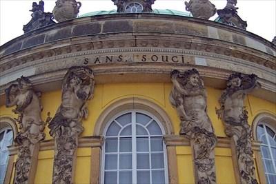 Sanssouci Front Portal