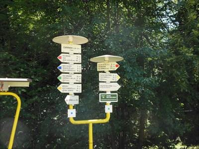 Cerinek - turisticke rozcestniky