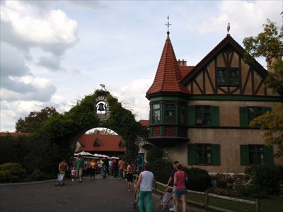 entrance to the Bauernhof