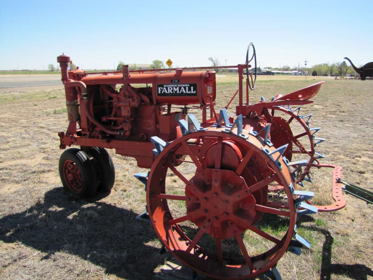 dating farmall tractors Posted: wed jul 09, 2008 3:58 am post subject: re: dating farmall tractor show up on time, conduct yourself like a gentleman, be able to discuss things using terms broader than yeah or uh-huh and call her a day or two after you've gone out.