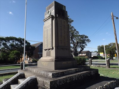 The Church is 'hiding' behind the prominent War Memorial Monument directly opposite in the 'island' between the two sections of William Street.