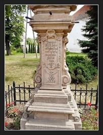 Holy Trinity statuary (Rzezba Boga Ojca) - Kamieniec Zabkowicki