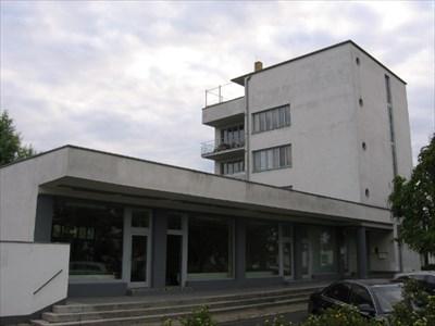 Walter Gropius The Konsum Building Dessau Germany Master Architects