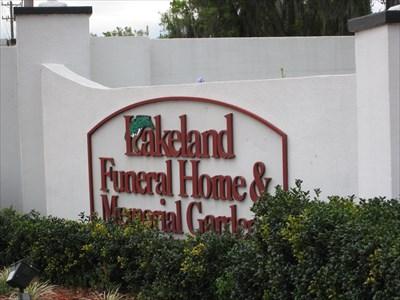 Lakeland Funeral Home And Memorial Gardens   Lakeland, FL   Worldwide  Cemeteries On Waymarking.com