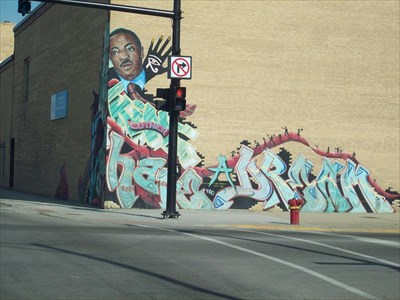 Dr martin luther king graffiti style mural chicago for Mural in chicago illinois