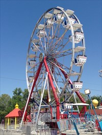 Fun Stop Ferris Wheel, From the Left, Pigeon Forge, Tennessee