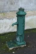 Image for Pompe à manivelle - Le-Vigeant, France