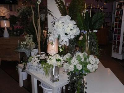 Arrangement floraux diverses.Various floral arrangement.