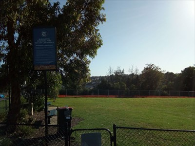 The entry to this Off-Leash Dog Park, with Survey Mark.0752, Thursday, 27 December, 2018