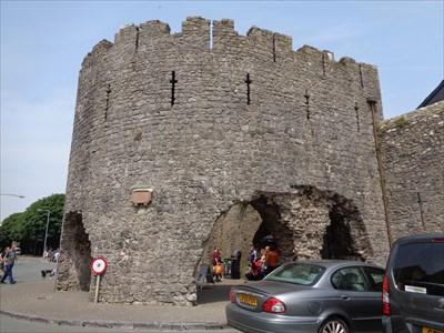 Town Walls & Barbican Ruins