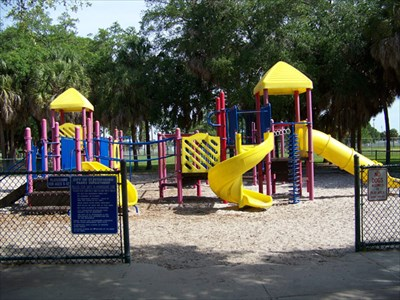 Consignment Shopspetersburg on Lake Vista Playground   St  Petersburg  Fl   Public Playgrounds On