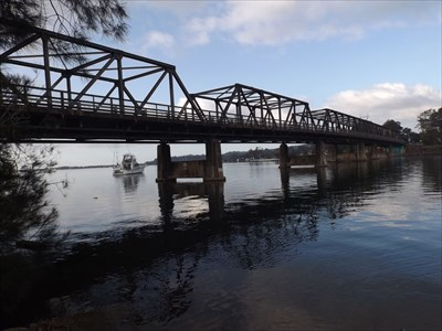 Looking at the bridge from the eastern end.0706, Friday, 11 November, 2016
