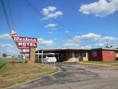 Western Motel - Route 66 - Bethany, OK.