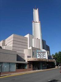 esquire ross ragland theater klamath falls oregon