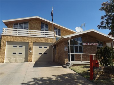 A street-view of the Armidale Fire Station. Quite NICE! 27 March, 2016