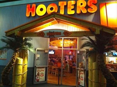 Hooters Restaurant Bloomington Mn Hooters Restaurants On