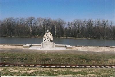 Vigo statue and the reiverfront
