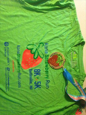 2016 5K t-Shirt and Medal