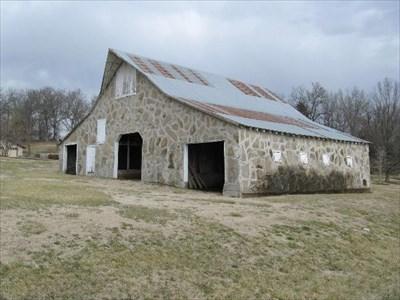 Mcmurtry homestead dutch gambrel barn barns on Dutch gambrel barn