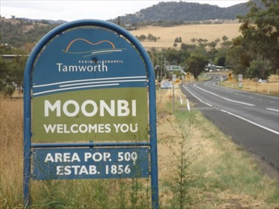 Location view of the Welcome Sign. 0843, Sunday, 17 March, 2019