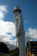 "Image for ""The Plantation Inn"" Muffler Man.  Chicopee, MA."