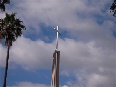 A shot of the cross.
