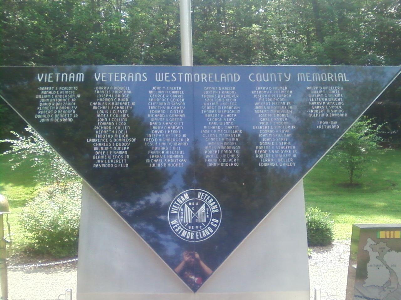 Vietnam War Memorial, Twin Lakes Park, Luxor, PA, USA