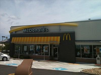 Mcdonalds Broad St Short Pump Va Mcdonalds Restaurants On