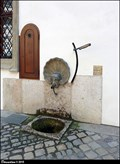 Image for Pump in Wallenstein Palace' 1st Courtyard / Pumpa v I. nádvorí Valdštejnského paláce (Prague)